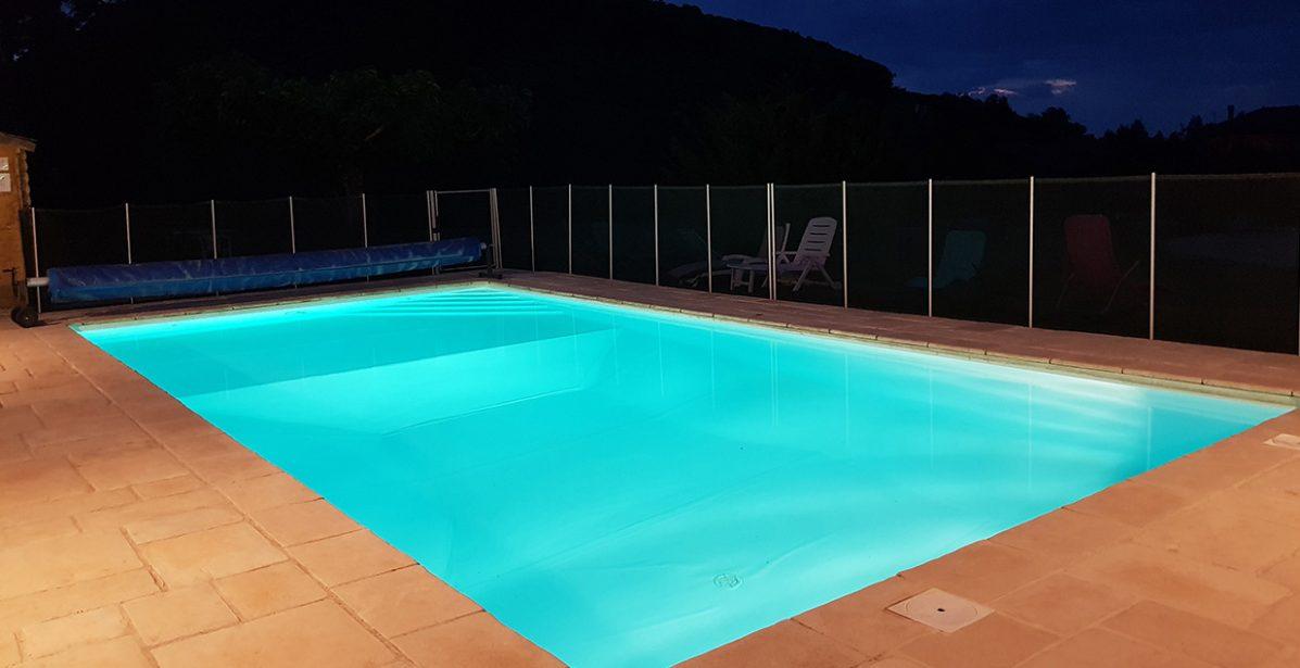 piscine eclairee nuit taille caroussel